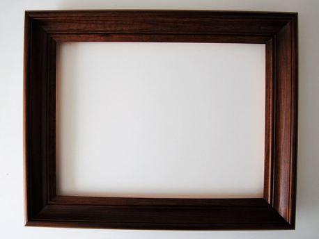 Rama drewniana frezowana bejcowana 50cm x 70cm (1)